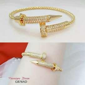 Perhiasan replika
