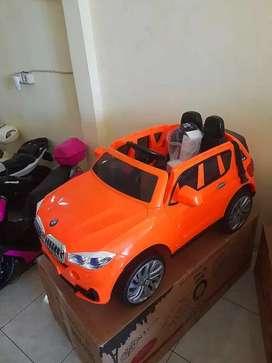 [COD] Mobil Mainan Aki BMW X5 / Mobil Mainan Remot Bisa Dikendarai