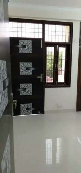1 single room available for rent in saket