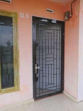 Pintu terali minimalis