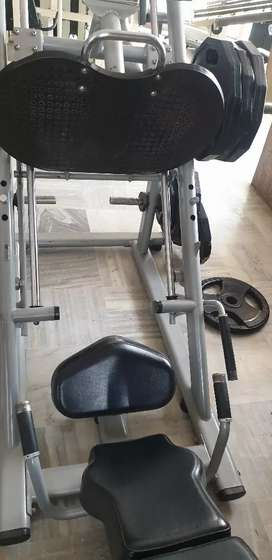 Selling gym equipments