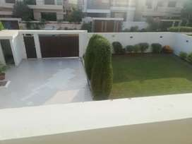 1000 yards bungalow portion available for rent