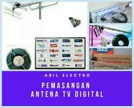 Ahli pemasangan antena TV digital