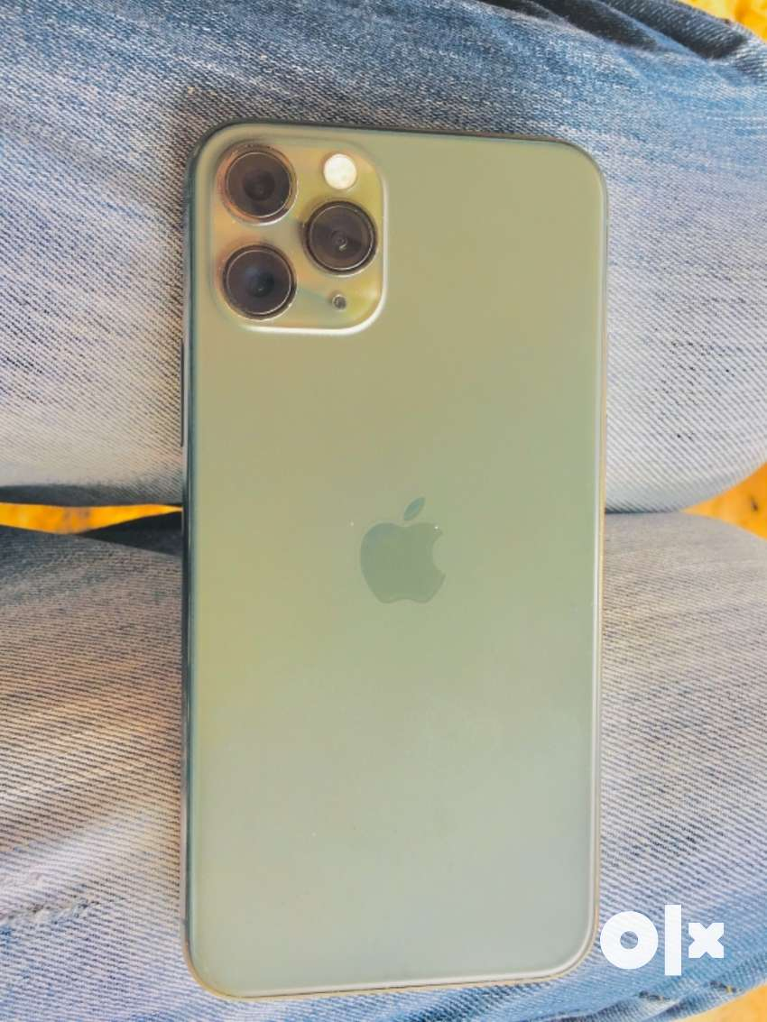 Iphone 11 pro , one year old with all accessories