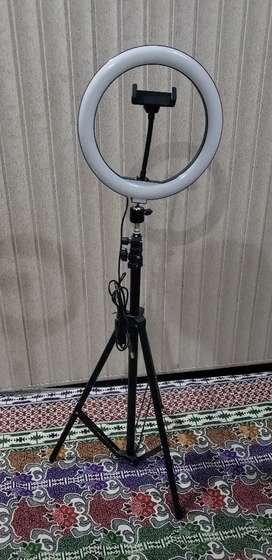 Tik tok stand with ring light, ring light 26 cm,have box,fix price