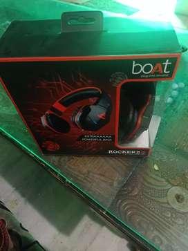 Boat rockers headphones
