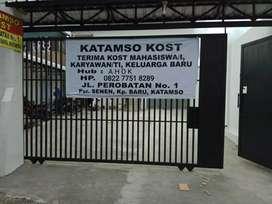 Katamso Kost Kamar AC 3m x 8m