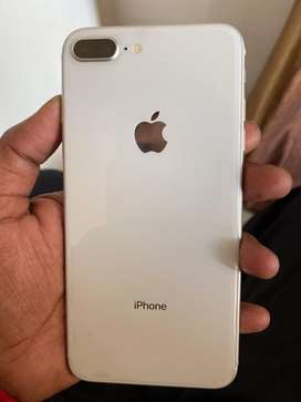 Withaout scratch iphone in good condition with bill box charger