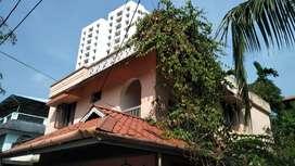 5CENT 2200SQFT 4BHK OLD HOUSE FOR SALE ELAMAKKARA PUNAKKAL