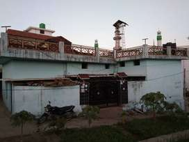 For sale house 2500000 me .