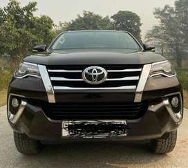 Toyota Fortuner 2.5 Sportivo 4x2 Automatic, 2016, Petrol