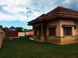 Rumah Mewah Luas di Lampung
