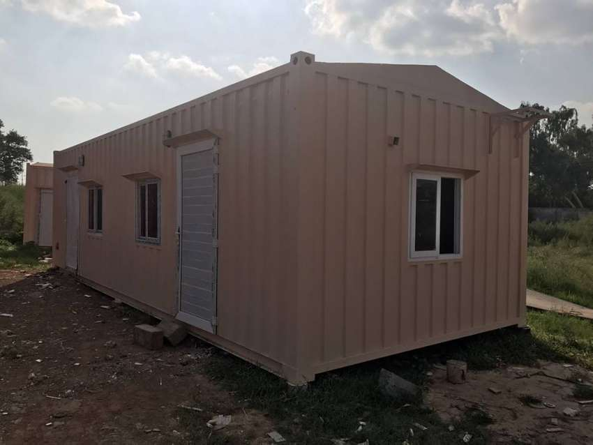 Dry containers/porta cabins/shipping containers available in Islamabad 0