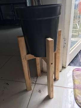 Standing Pot / Tatakan Pot ukuran Diameter 20cm Tinggi 40cm