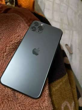 iPhone 11 Pro 64GB (mnight color)---