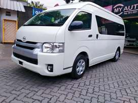 Toyota Hiace Commuter 2019 Putih low KM