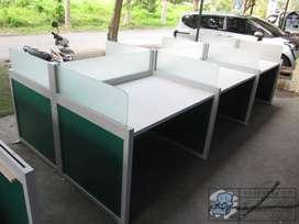 Meja Partisi Kantor Untuk 6 Orang