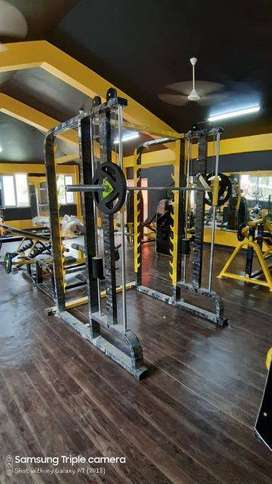 Commercial gym machines direct from manufacturer with best look.