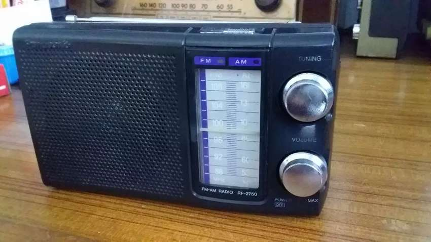 Radio Panasonic RF-2750 0