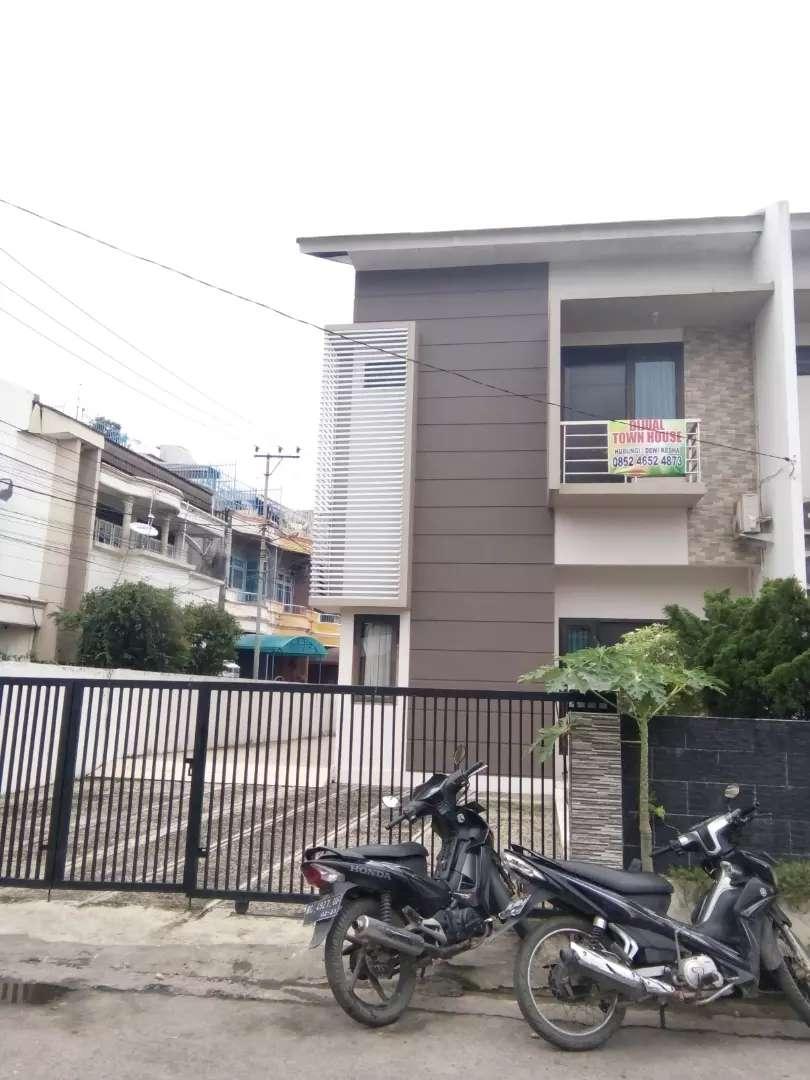 Dijual Town House Mewah + Furniture 0