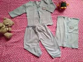 Stelan baju bayi bekas