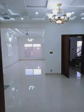 Upper Portion Available For Rent 40*80...14Marla