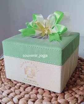 Souvenir Kotak Tisu For Kantor Hampers Purna Tugas Super Murah Meriah