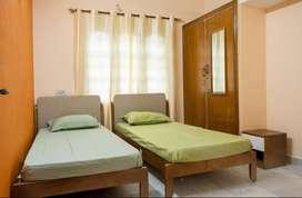 2 BHK Sharing Rooms for Women at ₹7500 in Basaveshwar Nagar, Bangalore