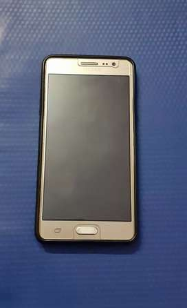 Samsung Galaxy On5 (Gold) selling at excellent condition