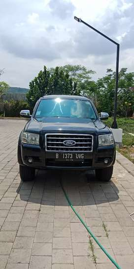 ford everest AT 2008 , 119 jt nego.. asli B