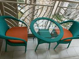 2 garden chair with 1 table