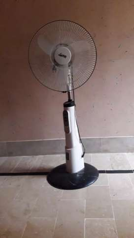 Charging fan with light only 3000 orangi town