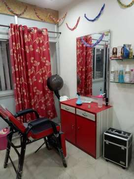 Beauty parlour on sell