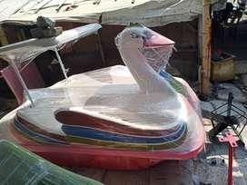 sepeda air bebek,perahu air bebek bebekan,jual wahana air bebek mini