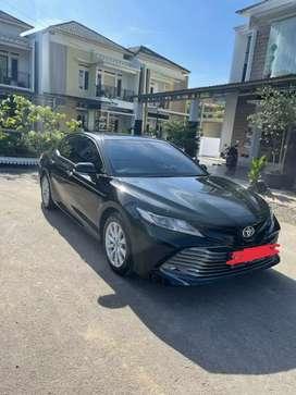 Toyota camry V 2.5L black 2019 km 10 rb