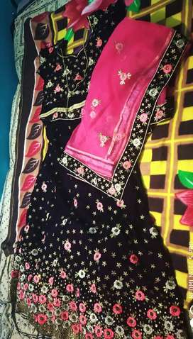 Embroding velvet readymate lehanga with heavy work