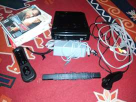 NINTENDO WII MINT CONDITION WITH A LOT OF GAMES