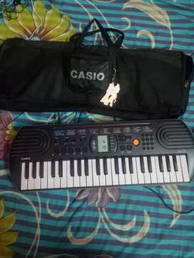 Casio hand piano