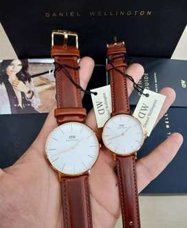 jam tangan dw couple classic white leather strap brown 32-40mm