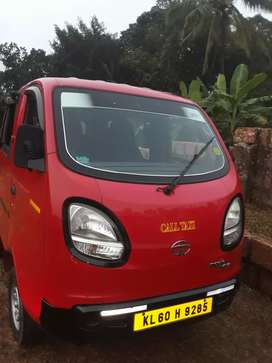 Good  Condition Tata Magic Iris 2015 model