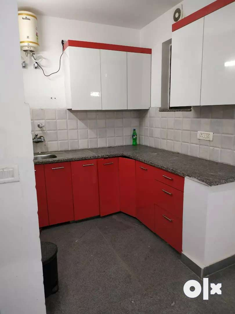 2bhk flat for rent in paryaavaran complex 0