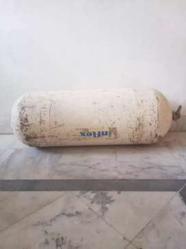 Cng cylinder and gas kit urgent sale