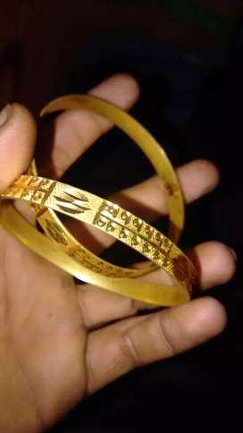 Gold  chudiya