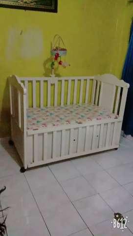 Tempat tidur baby