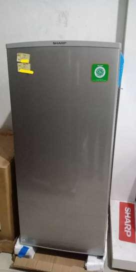 Promo Freezer Standing Sharp