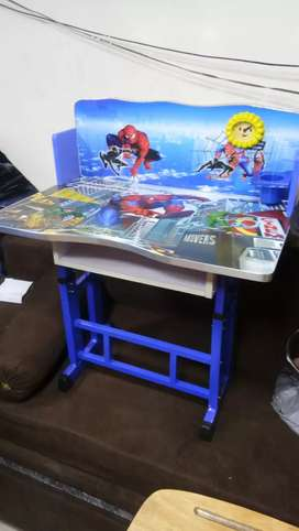 baby desk new condition
