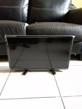 """DIJUAL TV LED SHARP 24"""" TYPE lc-24le170i KONDISI MASIH OKE"""