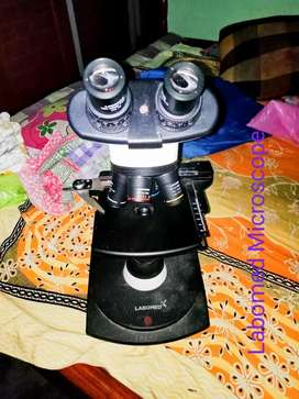 Labomed Microscope