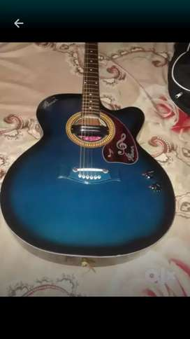 Hovner original guitar with guarantee with trademark! 6 months old
