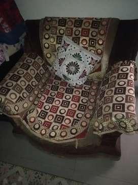 Good condition 5 seter sofa